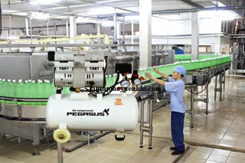 máy nén khí không dầu Pegasus TM-OF550-25L được sử dụng trong hệ thống sản xuất đồ uống