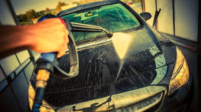 Máy rửa xe Lutian với khả năng làm vệc mạnh mẽ