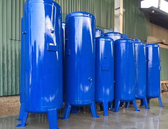 Bình chứa khí của máy nén khí phải được chế tạo từ các chất liệu dày dặn để đảm bảo an toàn khi sử dụng