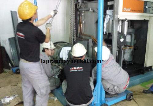 Bảo dưỡng máy nén khí định kỳ giúp máy giảm các nguy cơ gây hại từ bụi bẩn