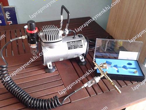 Máy nén khí mini cầm tay là thiết bị được sử dụng phổ biến trong các gia đình