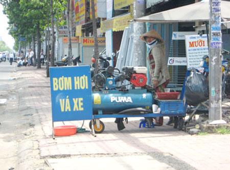 Máy nén khí được sử dụng phổ biến trong các tiệm sửa xe