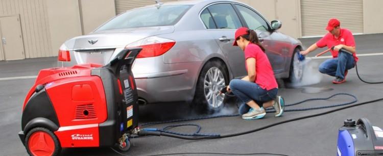 Rửa xe bằng máy rửa xe