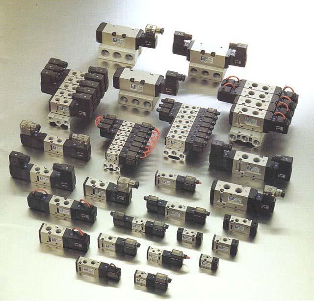 Van điện từ khí nén hay còn gọi là van đảo chiều (Solenoid valve)